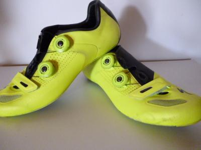 Chaussures jaunes Tinkoff SPECIALIZED S-WORKS (taille 41,5, mod.1)