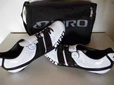 Chaussures GIRO-Factor Techlace blanches