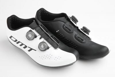 Chaussures DMT-R1 (taille 45,5, blanches/noires)
