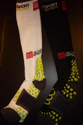 Chaussettes compression COMPRESSPORT ( blanches, mod.3)