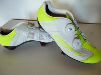Chaussures DMT-R1 (taille 41,5, jaunes fluo/blanches)