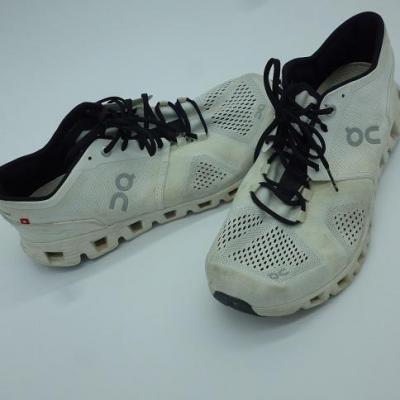 Chaussures de sport ON-TREK-SEGAFREDO 2021 (taille 42)